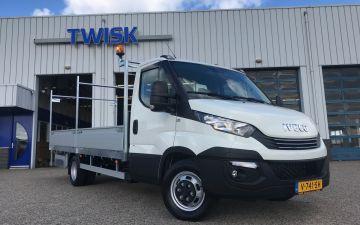 Gebroeders van Egdom & zoon verkeersdiensten neemt derde maatwerk Iveco Daily pickup in gebruik