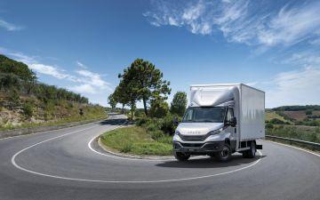 Iveco vernieuwd de Iveco Daily, en Iveco S-way