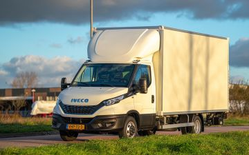 Flotrans Fashion Logistics - Iveco Daily 40C18Ha8 + Citybox
