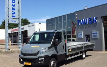 Multiparasol - Iveco Daily 40C18 automaat + twisk bak