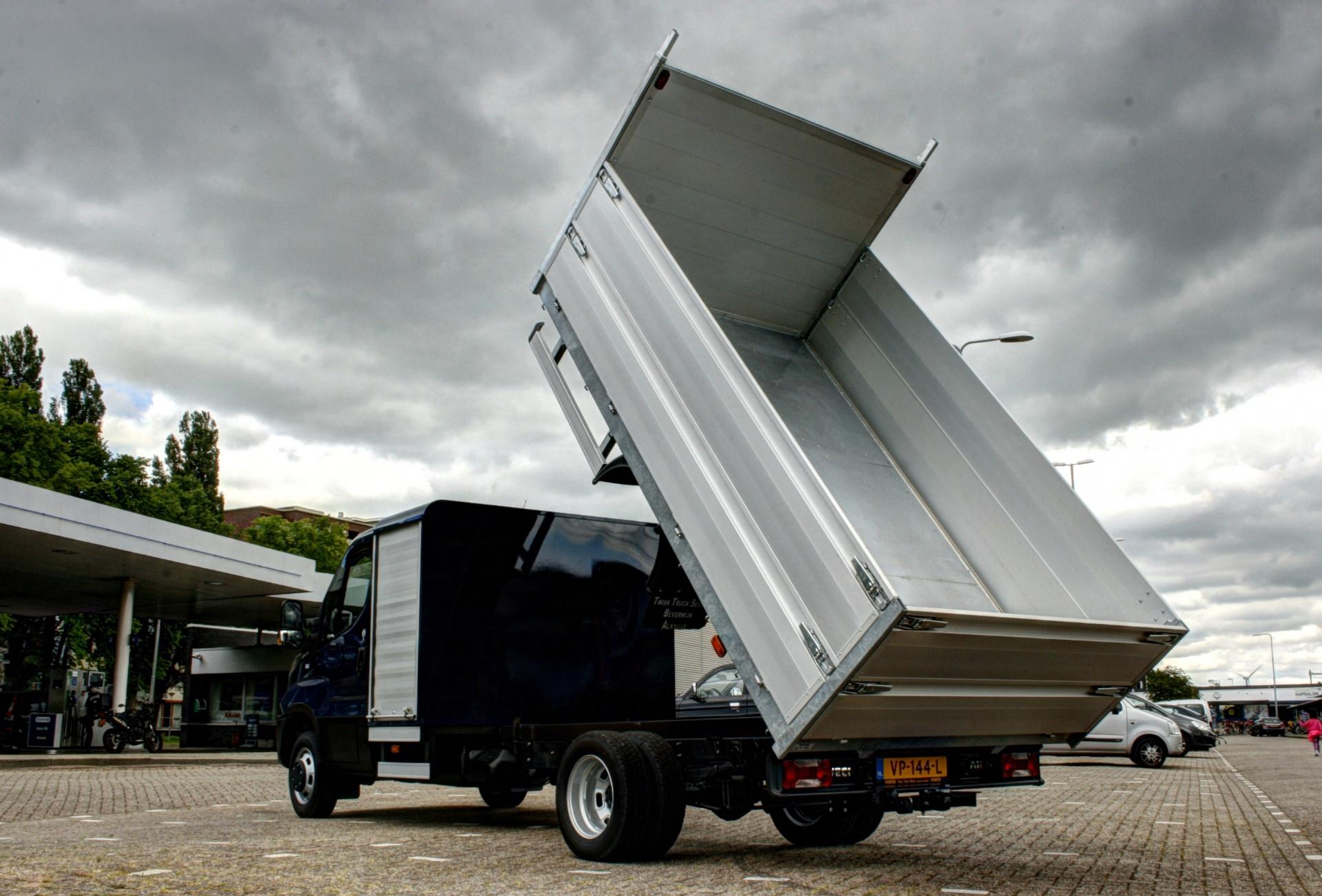 https://twisktruck.nl/uploads/area/carrosserie.jpg